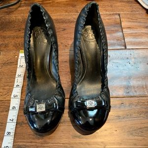 Tory Burch black leather high heeled shoes